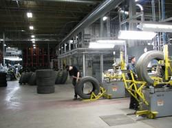 à l'intérieur de l'usine