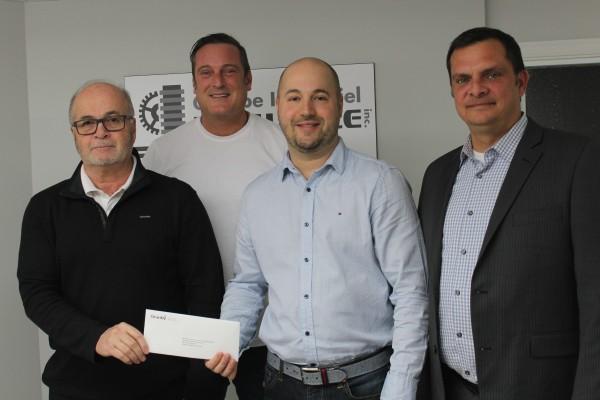 Gaétan Lachance et Carl Lachance, en compagnie du Maire de Granby, Pascal Bonin et d'Éric Tessier de Granby Industriel.