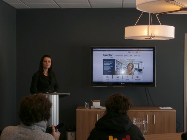 Marie-Claude Dauray, Commissaire à l'industrie, présente le nouveau site web.