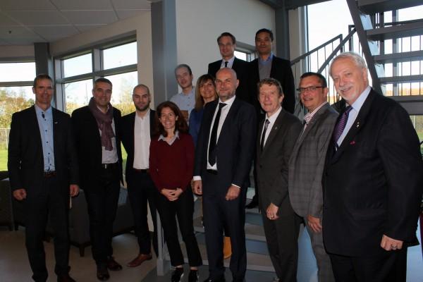 Patrick St-Laurent et Éric Tessier de Granby Industriel recoivent les représentants de la Communauté d'Agglomération du Sicoval, France, ainsi que M. Pierre-Marc Johnson, dans le cadre de cette mission France-Québec.